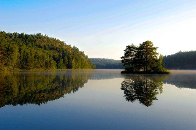 lake_reflection